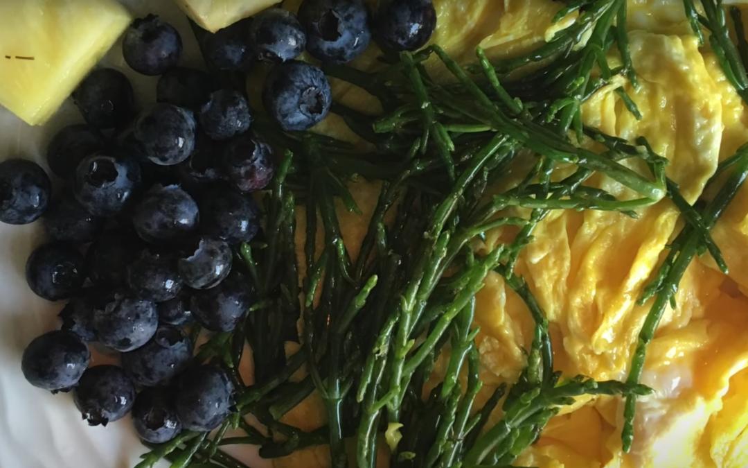 Healthy Sea Asparagus and Eggs Scramble